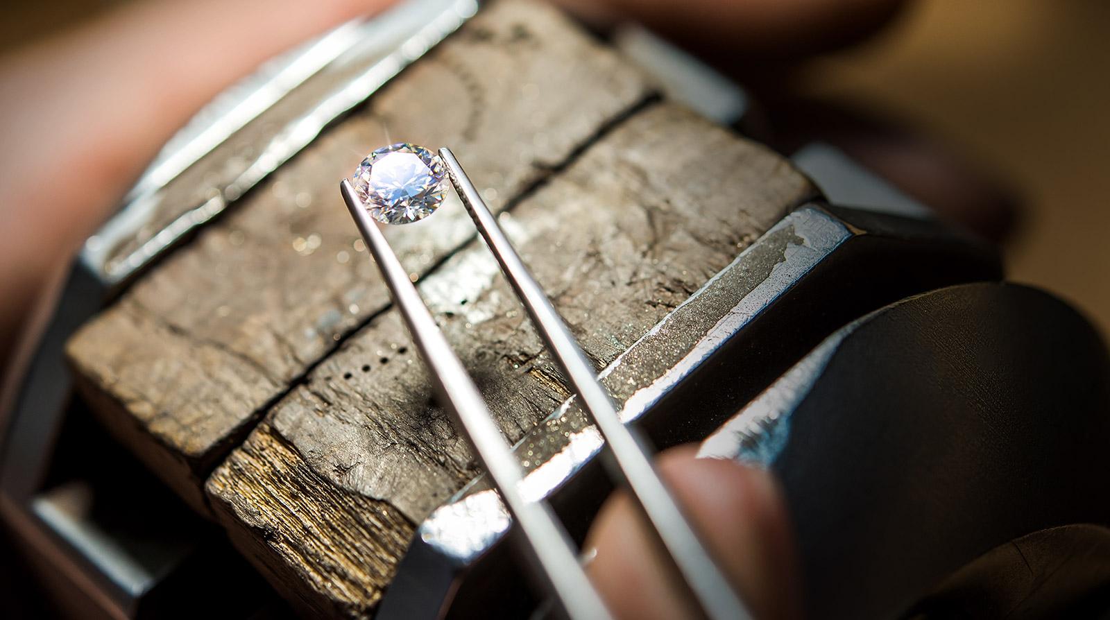 Brylant idealna forma diamentu