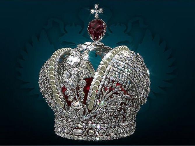 Diamenty na świecie. Korona cesarzowej Katarzyny Wielkiej ozdobiona 4936 diamentami i 75 perłami